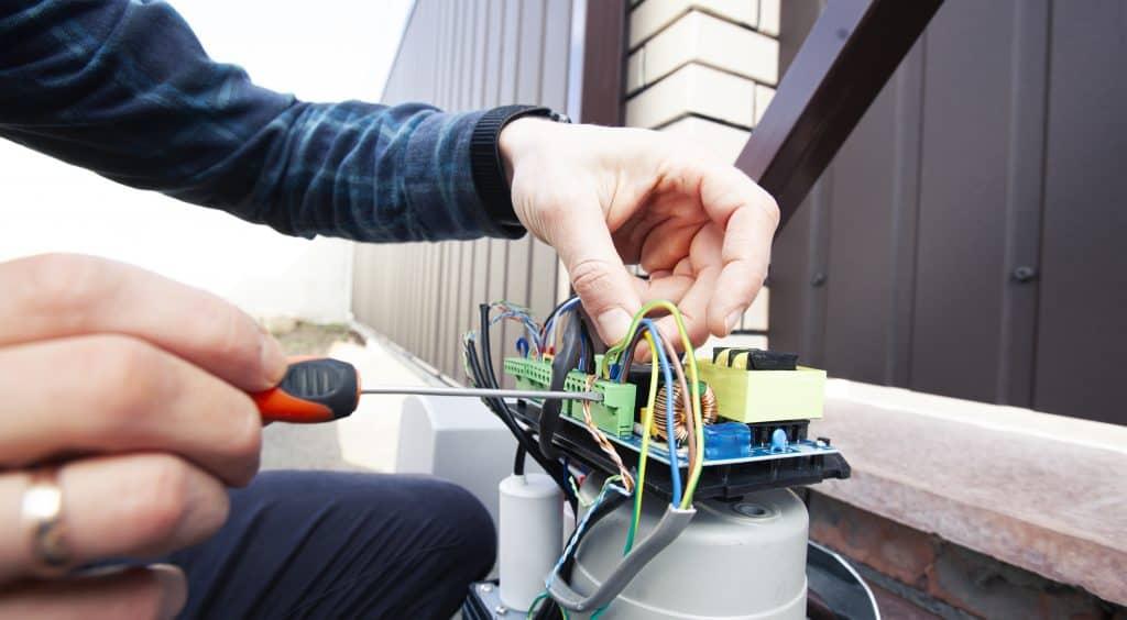 Automatic Gate Technician
